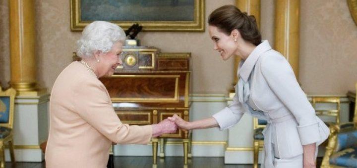 Елизавета II присвоила актрисе Анжелине Джоли титул дамы