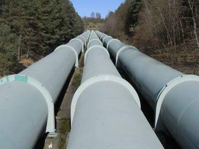 более десятка неизвестных приостановили работу нефтепровода