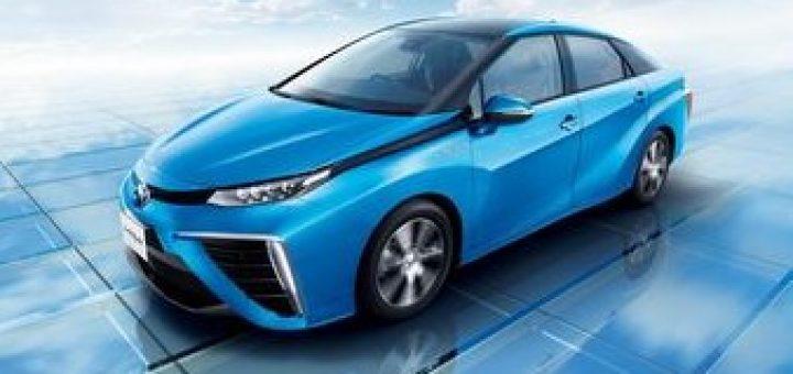 водородный седан Toyota Mirai