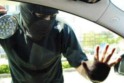 В Киеве злодеи «отжимали» автомобили