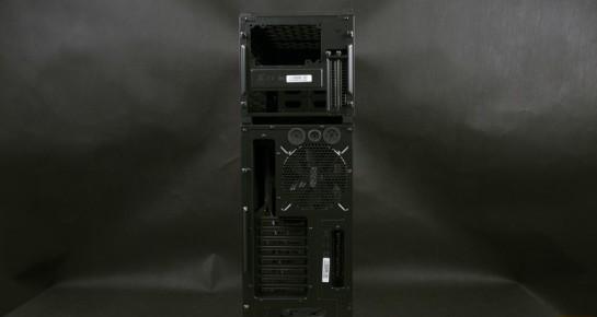 Cooler Master HAF STACKER 935 (HAF-935-KWN1), вид сзади