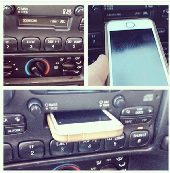 вставить iPhone в плеер для аудиокассет