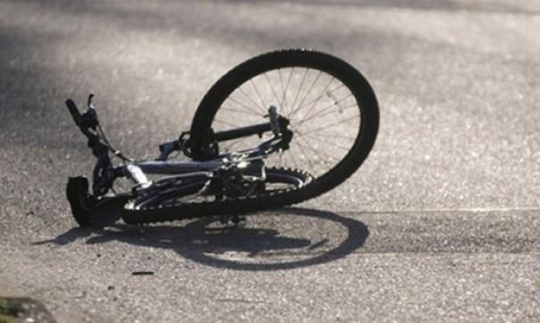 грузовик сбил двух велосипедистов