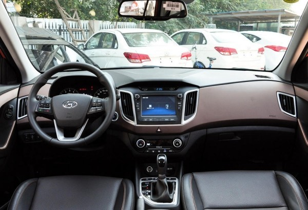 Hyundai ix25 фото салона
