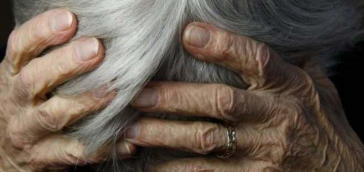 надругался над 71-летней матерью сожительницы