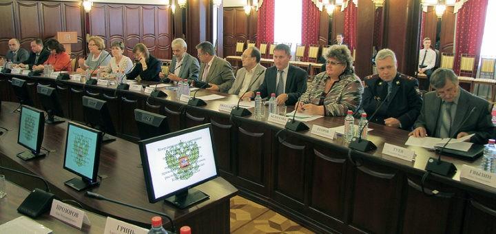 Министерство Юстиции РФ готовит реестр коррупционно опасных должностей