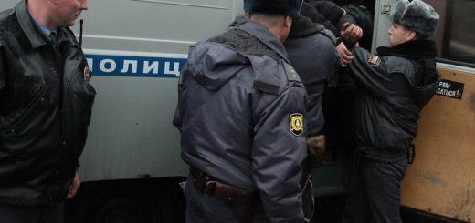 полицейский застрелил задержанного